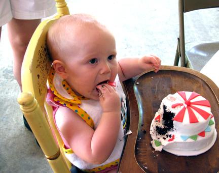 W-EATING-CAKE