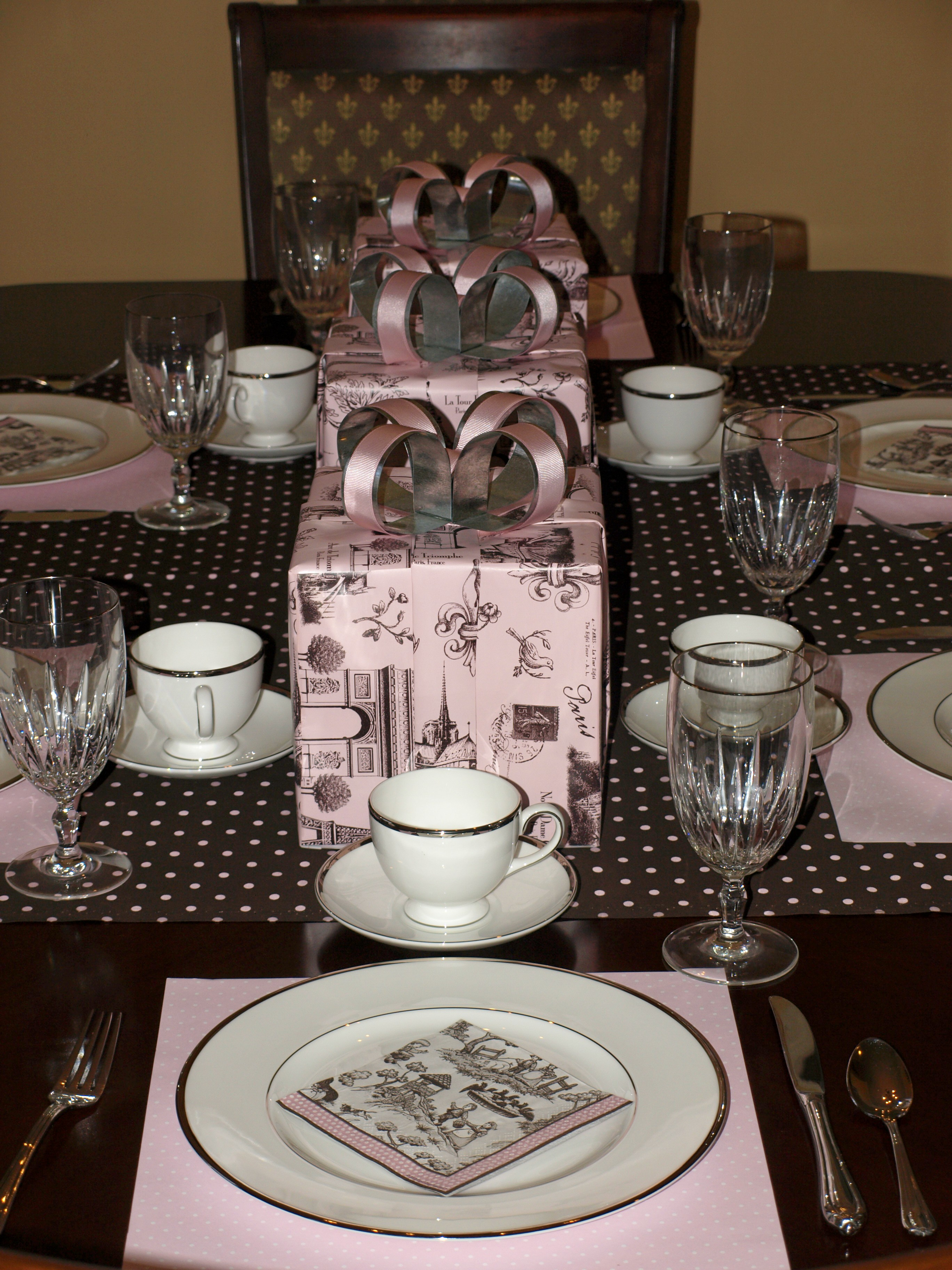 Profile little girl s birthday brunch pink peppermint the blog - French themed table decorations ...