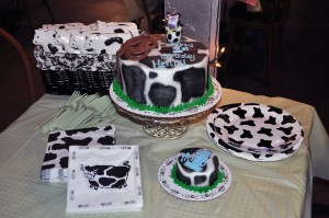 Cow Party Table