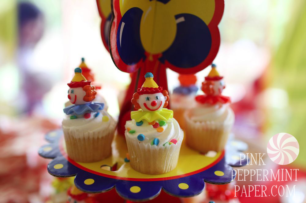Clown Cupcakes on Pink Peppermint Paper, the blog